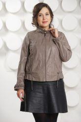 Женская кожаная куртка на молнии. Фото 2.