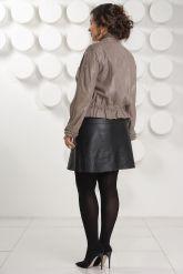 Женская кожаная куртка на молнии. Фото 4.