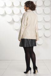 Светлая кожаная куртка с замшевыми вставками. Фото 4.