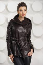 Удлиненная кожаная куртка косуха с трикотажным капюшоном. Фото 3.