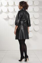 Черная кожаная куртка с поясом. Фото 4.