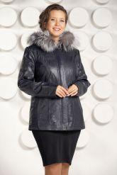 Приталенная кожаная куртка больших размеров с мехом. Фото 3.