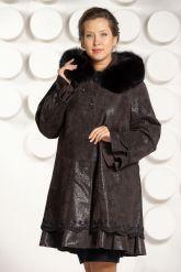 Трапециевидное замшевое пальто. Фото 2.