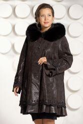 Трапециевидное замшевое пальто. Фото 3.