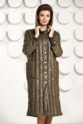 Стильный кожаный пуховик цвета оливы. Фото 4.