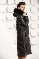Стильный кожаный пуховик черного цвета с капюшоном. Фото 4.