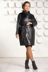 Модный кожаный плащ больших размеров. Фото 1.