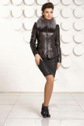 Черная кожаная куртка с мехом. Фото 1.