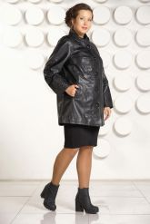 Классическая трапециевидная кожаная куртка с вышивкой. Фото 1.