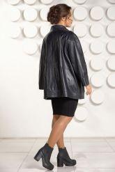 Классическая кожаная куртка больших размеров для женщин. Фото 4.