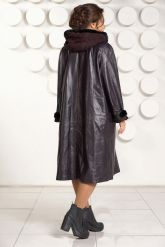 Длинное кожаное пальто с капюшоном. Фото 3.