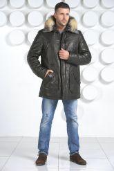 Молодежный кожаный пуховик с оторочкой из меха волка. Фото 1.