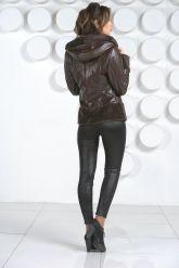 Комбинированная кожаная куртка коричневого цвета. Фото 4.