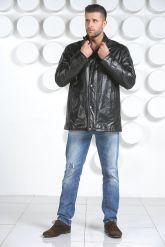 Демисезонная кожаная куртка. Фото 1.