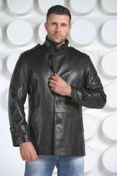 Мужская кожаная куртка на пуговицах. Фото 1.