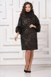 Красивое пальто из замши с  укороченными рукавами. Фото 1.
