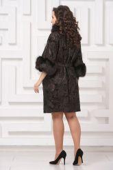 Красивое пальто из замши с  укороченными рукавами. Фото 2.