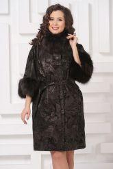 Красивое пальто из замши с  укороченными рукавами. Фото 3.