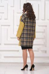 Стильное пальто из замши с мехом керли. Фото 2.