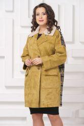 Стильное пальто из замши с мехом керли. Фото 4.