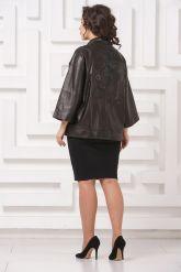 Весенняя кожаная куртка с принтом на спине. Фото 3.