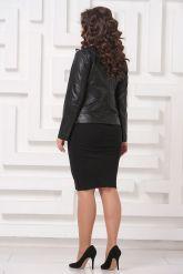 Силуэтная кожаная куртка черного цвета. Фото 2.