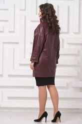 Женский кожаный плащ бордового цвета. Фото 2.