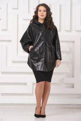 Кожаная куртка больших размеров черного цвета с капюшоном. Фото 1.
