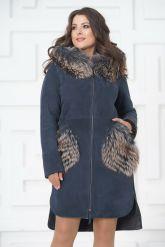 Пальто из меха овчины с отделкой из чернобурки. Фото 2.