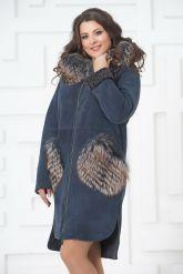 Пальто из меха овчины с отделкой из чернобурки. Фото 5.