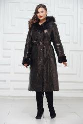 Зимнее пальто из овчины черного цвета. Фото 1.