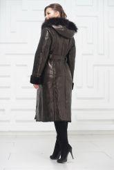 Зимнее пальто из овчины черного цвета. Фото 3.