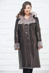 Зимнее пальто из овчины с капюшоном. Фото 1.
