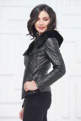Молодежная кожаная куртка с мехом. Фото 3.