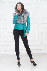 Красивая куртка бирюзового цвета. Фото 1.