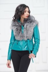 Красивая куртка бирюзового цвета. Фото 2.