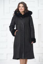 Классическое пальто из овчины черного цвета на пуговицах. Фото 2.