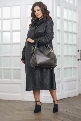 Длинный кожаный плащ черного цвета. Фото 1.