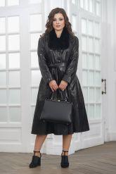 Красивое кожаное пальто со сменными воротниками. Фото 1.