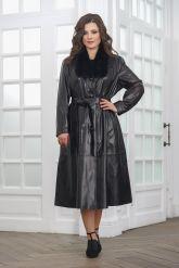 Красивое кожаное пальто со сменными воротниками. Фото 5.