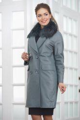 Двубортное кожаное пальто с меховым воротником. Фото 4.