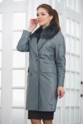Двубортное кожаное пальто с меховым воротником. Фото 5.