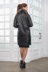 Двубортное кожаное пальто черного цвета. Фото 2.