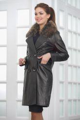 Двубортное кожаное пальто черного цвета. Фото 3.