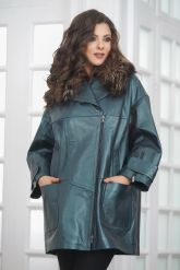 Стильное изумрудное кожаное пальто. Фото 4.