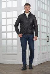 Короткая мужская кожаная куртка черного цвета. Фото 2.