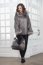 Короткая кожаная куртка с мехом летучая мышь. Фото 1.