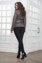 Классическая кожаная куртка для женщин. Фото 2.