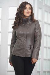 Классическая кожаная куртка для женщин. Фото 5.