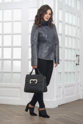 Приталенная кожаная куртка женская. Фото 1.